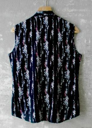 Штапельная блуза на запах тёмно-синего цвета в нежный цветочный принт - reyon park/турция2 фото