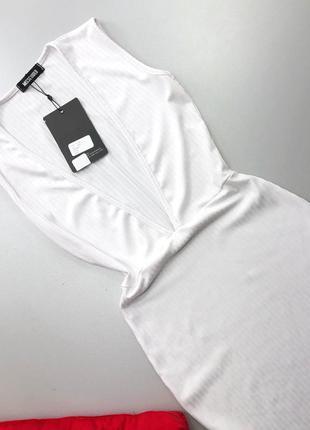 Стильное белое платье миди в рубчик с v вырезом missguided6 фото