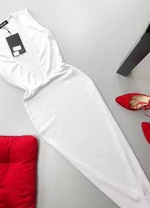 Стильное белое платье миди в рубчик с v вырезом missguided5 фото