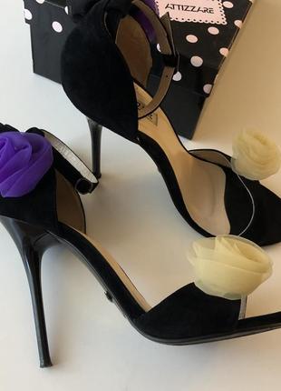 Очень красивые нарядные босоножки attizzare оригинал 39 размер кожа замша сандалии