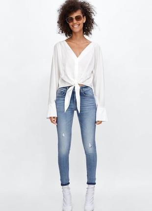Рванные джинсы/джинсы с эффектом потёртостей/джинсы с отворотами/zara