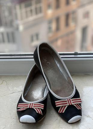 Туфли dolce & gabbana кожаные чёрно-белые с бантами