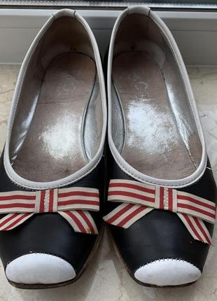 Туфли dolce & gabbana кожаные чёрно-белые с бантами2 фото