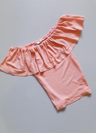 Блуза на плечи с воланами