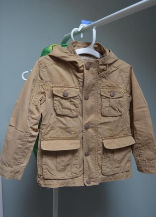 Классная куртка-ветровка на 4-5лет
