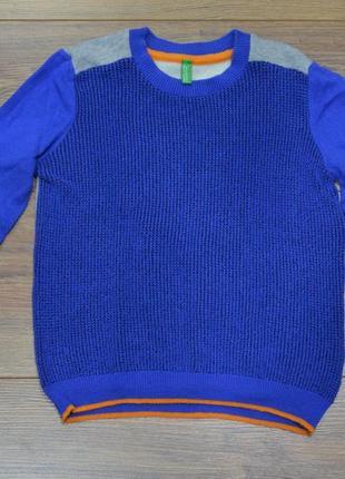 Стильный свитер benetton