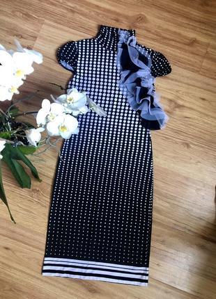 Красивое модное силуэтное платье горох миди