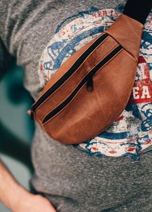 Бананка натуральная кожа, сумка на пояс на плече мягкая ,коричневого цвета,поясная сумочка