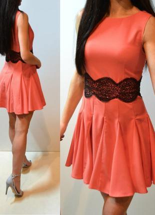 Красивое платье с кружевом ax paris