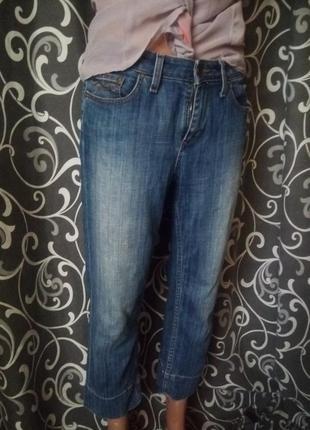 Укороченные джинсы  бриджи