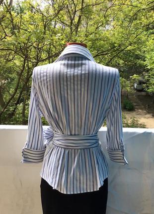 Фирменная в синюю полоску блуза на запах с поясом трансформером от zara