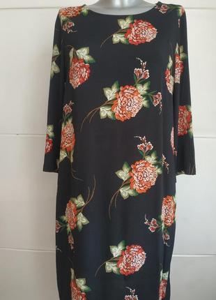 Очаровательное  платье с цветочным принтом от marks&spencer