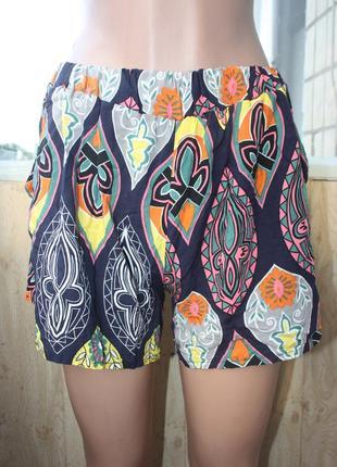 Лёгкие летние шорты в орнаментах