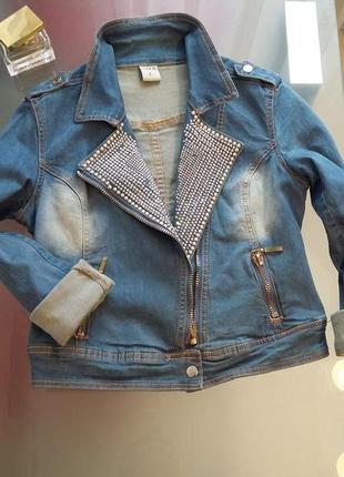Куртка джинсовая с стразами
