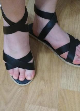 Кожаные босоножки сандали 41-42р boohoo