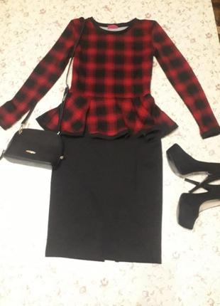 Костюм (кофта с баской и юбка)