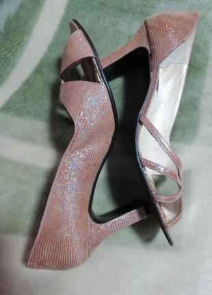 Босоножки кожаные женские vicki beth 39 размер 25.5см стелька