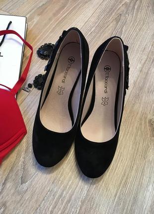 Элегантные туфли на танкетке,стелька кожа