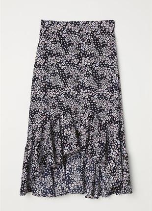 Асиметричная юбка в цветочек с рюшами