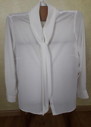 Блуза с цельнокроеным воротником шарф. mona
