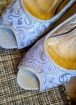Шикарный нарядные  туфли размер 38-392 фото