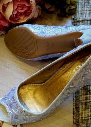 Шикарный нарядные  туфли размер 38-395 фото