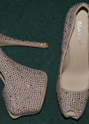 Туфли босоножки belle woman размер 39, туфлі