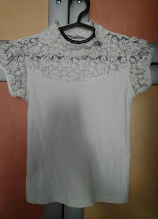 Очень нарядная футболка блузка
