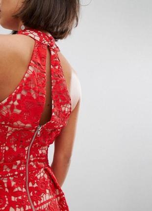 Шикарное красное платье из плотного кружева jarlo
