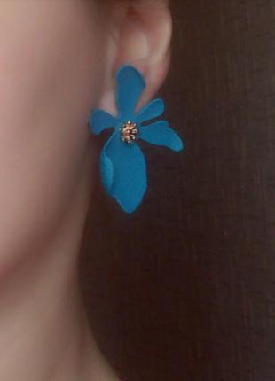 Серьги цветок цветочек сережки тренд в стиле zara