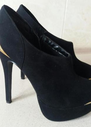 Роскошные ботильоны туфли new look на высоком каблуке