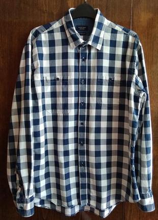 Мужская рубашка в клетку с асимметричными карманами