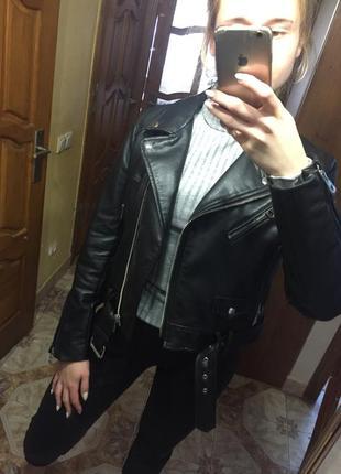 Нова стильна куртка zara