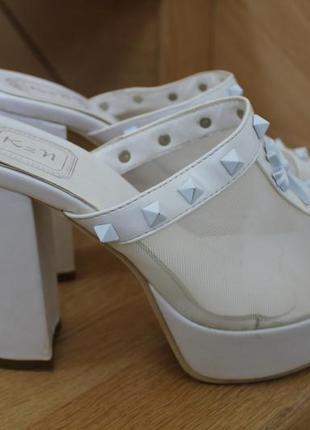 Очень удобные туфли на толстом каблуке