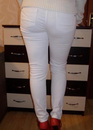Белые джинсы lerros