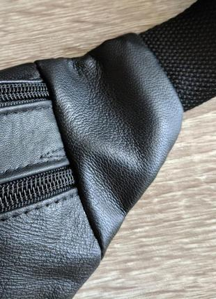 Стильная бананка натуральная кожа, сумка на пояс черная матовая кожа5 фото