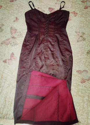 Вечернее котельное платье в бельевом стиле на бретельках вишнёвого цвета