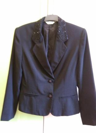 Красивый деловой пиджак next
