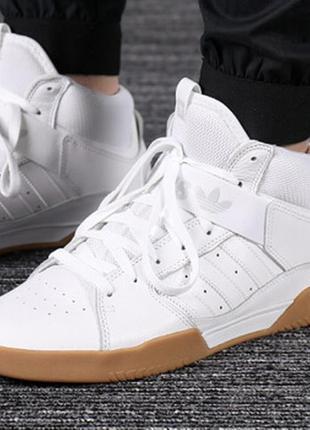 Оригинальные кожаные кроссовки adidas vrx mid b414822 фото