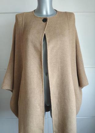 Очень стильное пальто -кейп zara трендового бежевого цвета