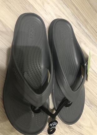 Вьетнамки шлёпанцы crocs