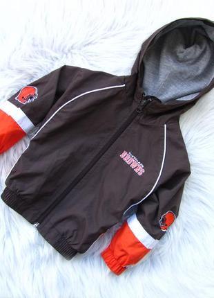 Стильная куртка ветровка с капюшоном reabok