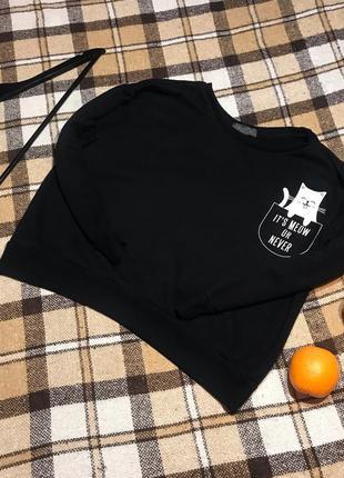 Классный базовый чёрный свитшот с котиком. р. l