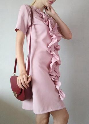 Ніжно-рожеве літнє плаття з воланами / розмір s