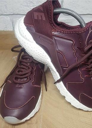 Класні кросівки від nike!