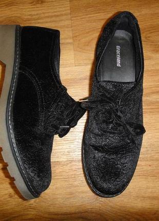 Шикарные туфли graceland  под велюр с узором германия