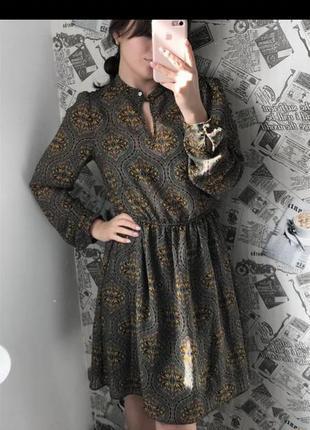 Очень красивое и нарядное платье