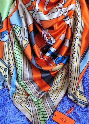Очаровательный шёлковый платок с ручной обработкой края
