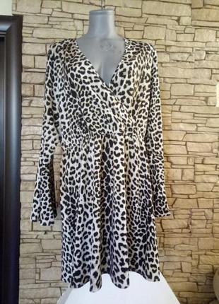 Легкое леопардовое платье большого размера