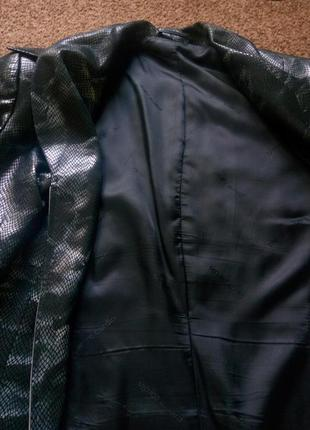 Пиджак со змеиным принтом на молнии5 фото
